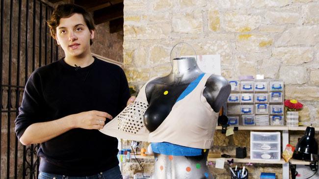 Chàng trai vì mẹ, chế tạo áo ngực phát hiện sớm ung thư vú
