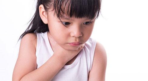 Những ca hóc thạch kinh hoàng: Lời cảnh tỉnh đến các bậc làm cha mẹ khi cho con ăn