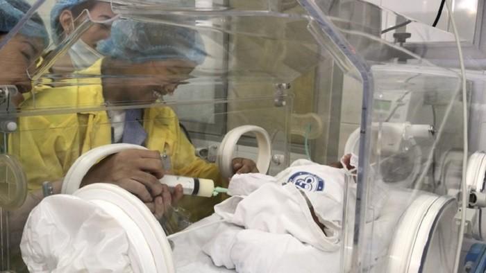 Người mẹ ung thư giai đoạn cuối và giây phút đầy nước mắt khi gặp con trai Bình An-9