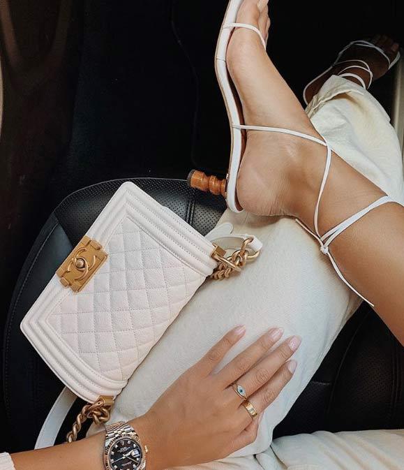 Các kiểu giày trần trụi đang ngày càng chiếm ưu thế được chị em ưa chuộng-2