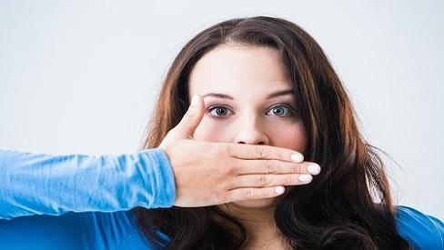 9 nguyên nhân khiến bạn cảm thấy có vị lạ trong miệng
