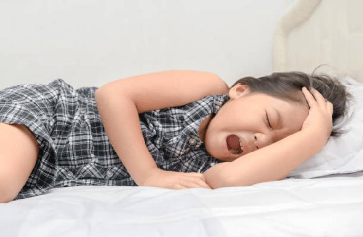 Bố mẹ nên chú ý với 8 dấu hiệu viêm màng não ở trẻ nhỏ-2