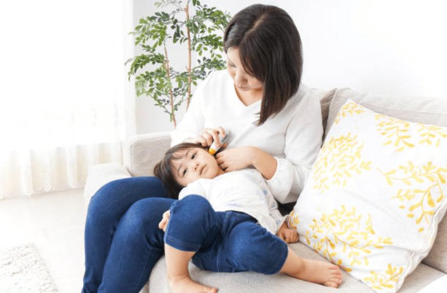 Bố mẹ nên chú ý với 8 dấu hiệu viêm màng não ở trẻ nhỏ-1