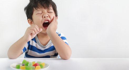 Áp xe quanh răng ở trẻ nhỏ có thể là bệnh lý nguy hiểm mà bạn cần chú ý