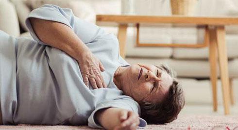 Những dấu hiệu và triệu chứng đột quỵ ở người cao tuổi