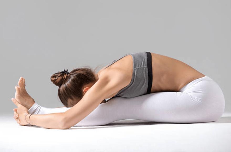 12 tư thế yoga giảm mỡ bụng tại nhà giúp lấy lại eo thon-4