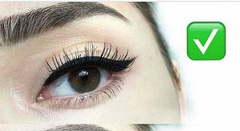 Cách sửa cực đơn giản cho lỗi kẻ eyeliner có khoảng trắng ở phần mi mắt