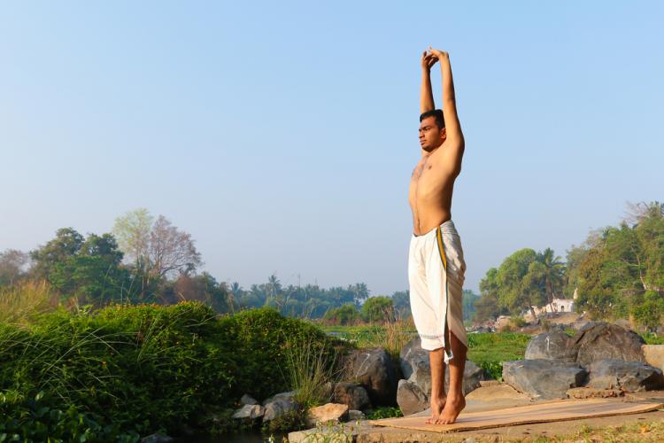 Tư thế trái núi và những lợi ích cho sức khỏe-1