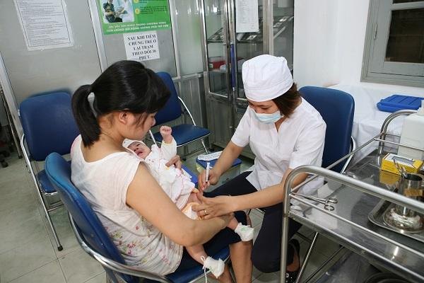 Phòng bệnh thường gặp mùa nắng nóng ở trẻ-2