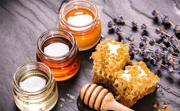 Bố mẹ cho uống mật ong 2 lần mỗi ngày, bé trai 6 tháng tuổi tử vong-2