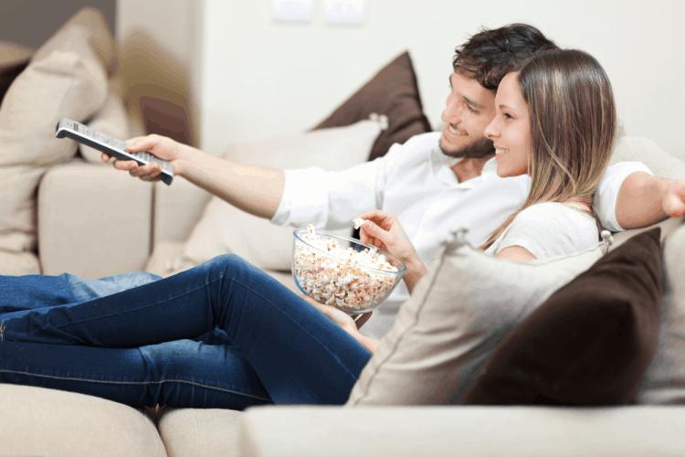 Khoảng cách xem TV thế nào để tránh gây hại cho mắt?-2