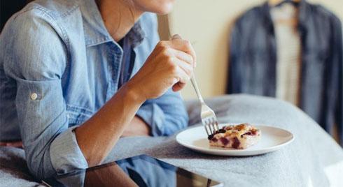 Ăn đêm – thói quen cần loại bỏ ngay kẻo 'rước họa vào thân'