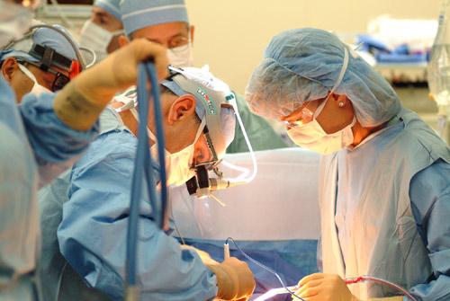 Những lưu ý về chăm sóc sau phẫu thuật chuyển giới-1