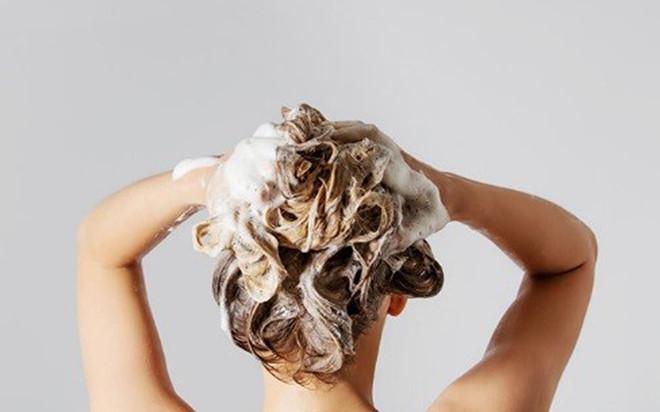 Duy trì 7 thói quen cho tóc nhanh dài và mềm mượt trong mùa hè-3
