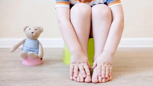 7 cách trị táo bón cho trẻ em tại nhà đơn giản nhưng cực hiệu quả