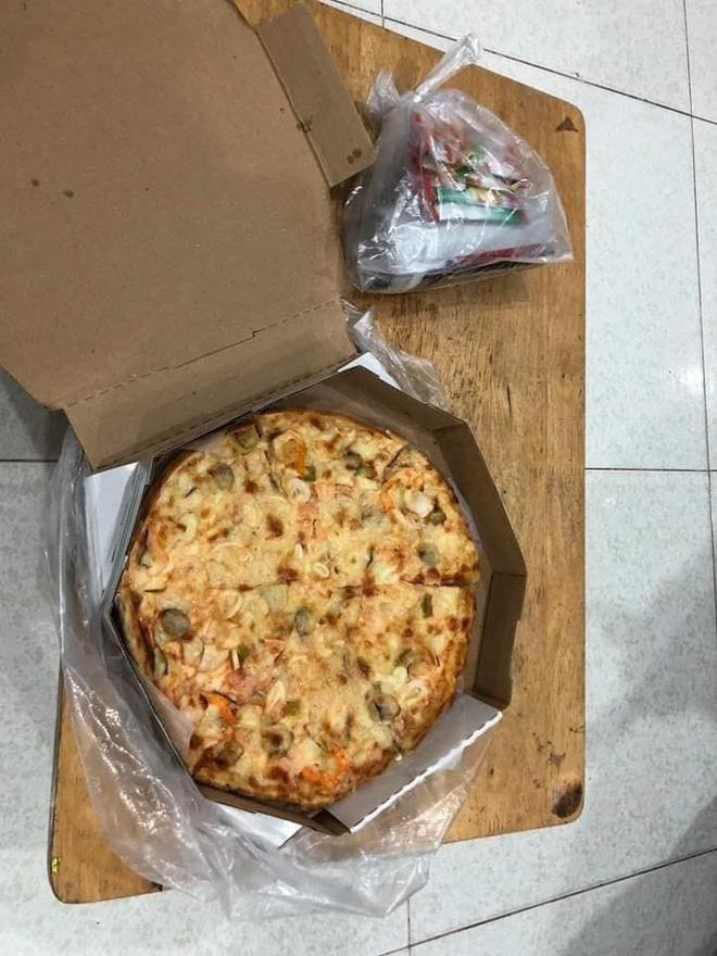 Shipper đau khổ vì bị bom pizza: Chạy cả ngày cũng chẳng đủ lo cho cả gia đình-1