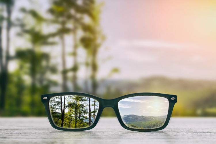Các bệnh về mắt thường gặp mà bạn cần biết-2