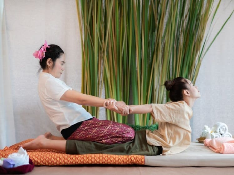 9 cách massage lưng và cổ giúp bạn giảm đau-9