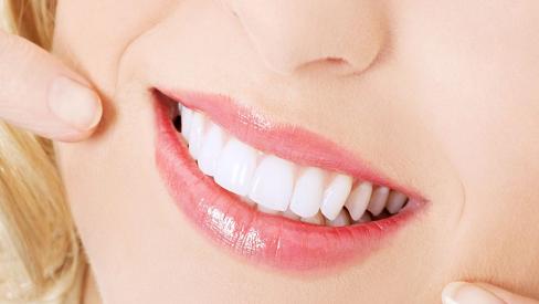 Bỏ túi 5 cách làm trắng răng cấp tốc đơn giản tại nhà