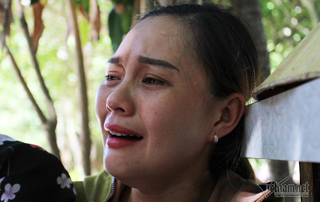 Người thân khóc ngất gọi tên chồng, con vụ chìm tàu ở Bạch Long Vĩ-4