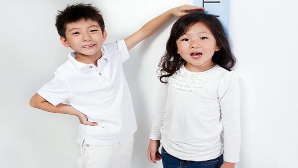 Dấu hiệu trẻ tăng cân quá nhanh, cha mẹ cần cho con đi khám gấp