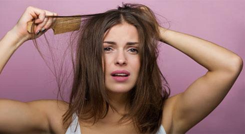 Chăm sóc tóc đúng cách: Bỏ ngay 10 thói quen sau