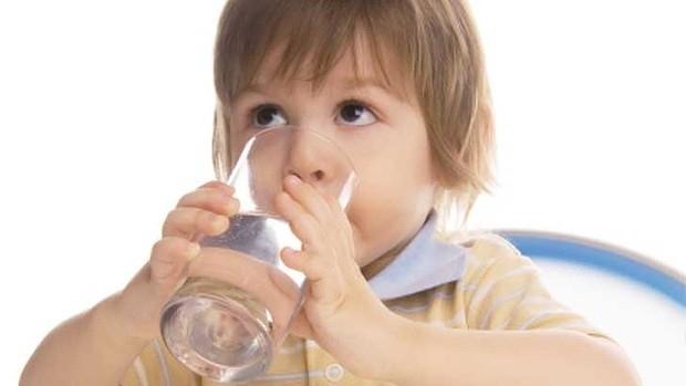 8 cách giúp trẻ sống khỏe trong mùa hè nắng nóng gay gắt-2