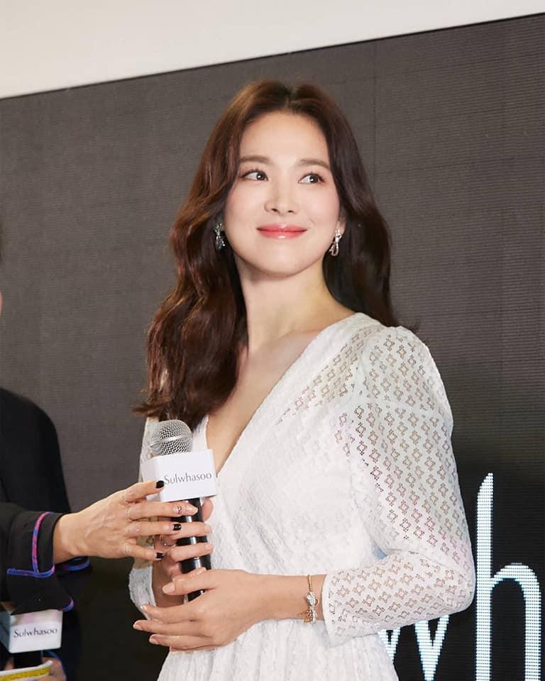 Nếu bạn nghĩ Song Hye Kyo sẽ suy sụp, bỏ trốn sau vụ ly hôn thì sai rồi, đây chính là câu trả lời của nữ diễn viên-1