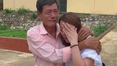 22 năm bặt tích mẹ làm giấy báo tử, con gái bỗng trở về như mơ