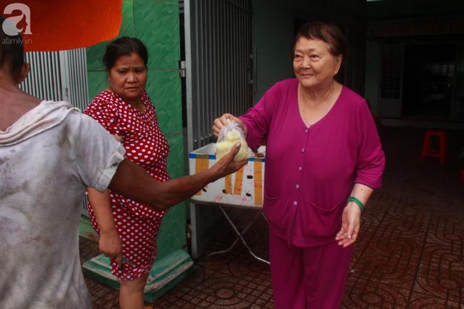 Ánh mắt cầu cứu của hơn 100 đứa trẻ tật nguyền, lớn lên bên bàn tay chăm sóc của người mẹ già 82 tuổi-6