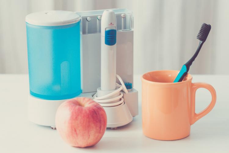 Máy tăm nước: Bí quyết giúp bạn làm sạch răng nhẹ nhàng-4