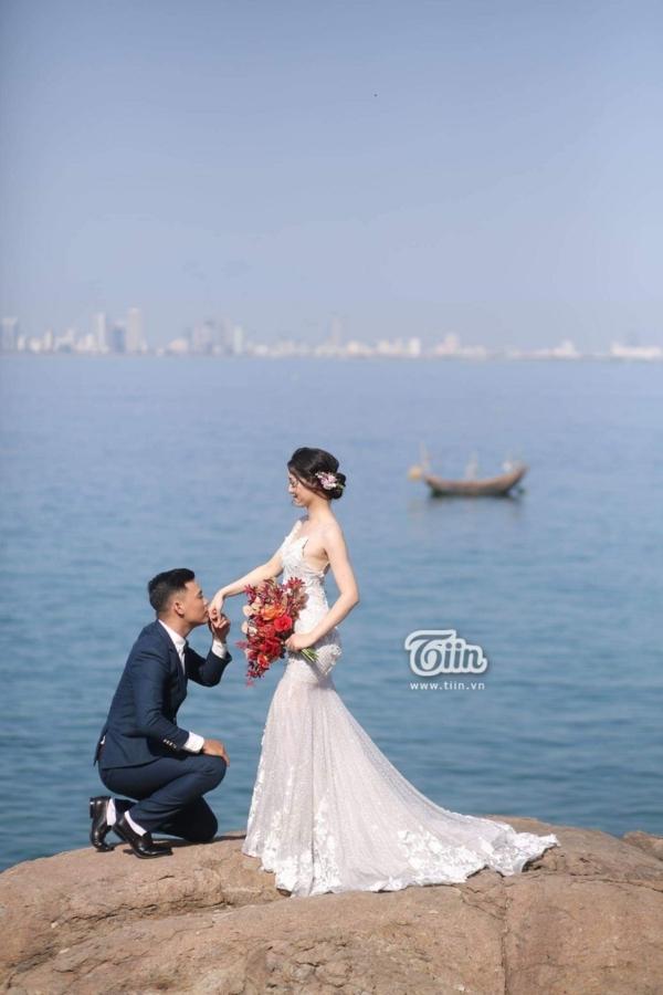 Phía sau đám cưới trên sân đấu là chuyện tình thi vị, nên duyên nhờ comment dạo của Đàm Huy Đại và vợ 9X-3