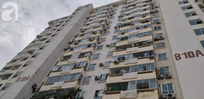 Hà Nội: Chung cư cao tầng bốc cháy dữ dội, hàng trăm cư dân tháo chạy hoảng loạn-6