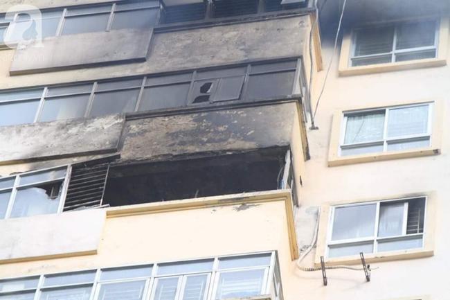 Hà Nội: Chung cư cao tầng bốc cháy dữ dội, hàng trăm cư dân tháo chạy hoảng loạn-10