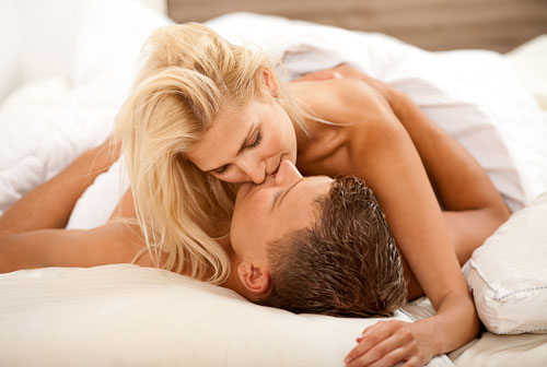 5 tuyệt chiêu đơn giản khiến cơm nguội trên giường biến thành tiệc yêu 5 sao, bất kể cặp đôi nào cũng mê mẩn-1