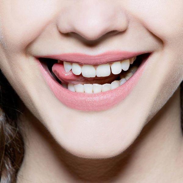 Cách tẩy trắng bằng muối đánh bay cao răng, mảng bám ố vàng trong 5 phút-6
