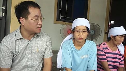 Nữ sinh bỏ thi tốt nghiệp chịu tang cha xúc động được nhiều trường đại học tiếp nhận