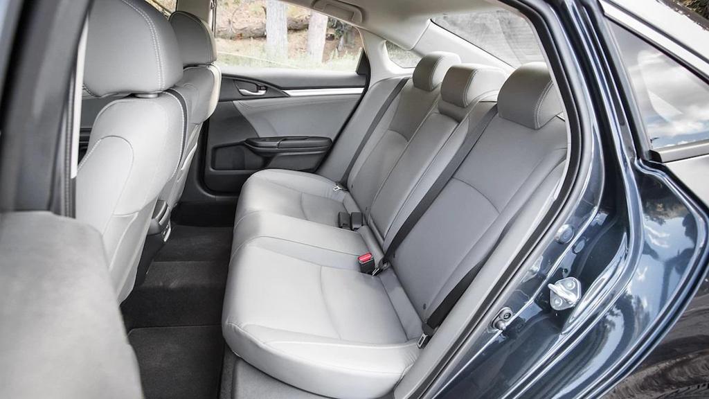 So sánh Honda Civic 2019 và Mazda3 2019: Cuộc đổi ngôi bất ngờ-5
