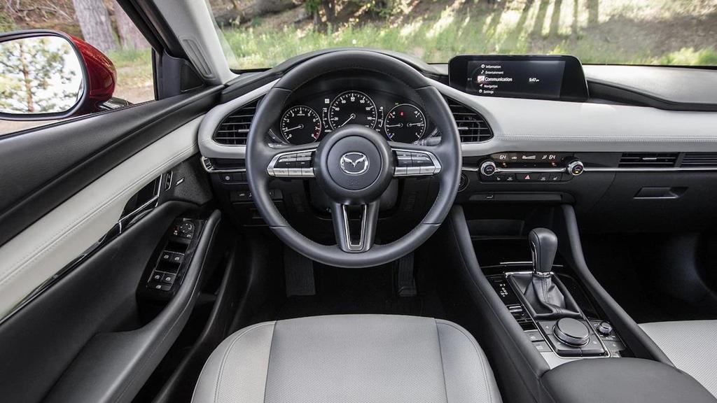 So sánh Honda Civic 2019 và Mazda3 2019: Cuộc đổi ngôi bất ngờ-8