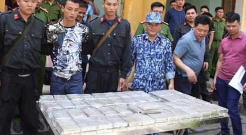 Triệt xóa đường dây ma túy cực lớn, bắt 4 đối tượng, thu giữ 100 bánh heroin