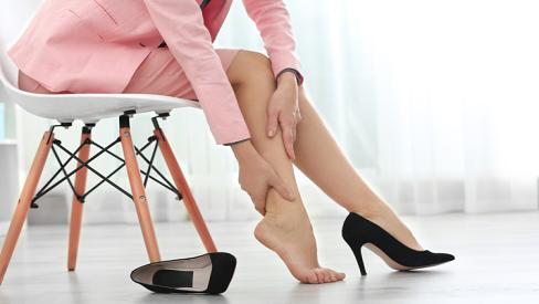 Những nguyên nhân gây tê chân mà ai cũng nên biết