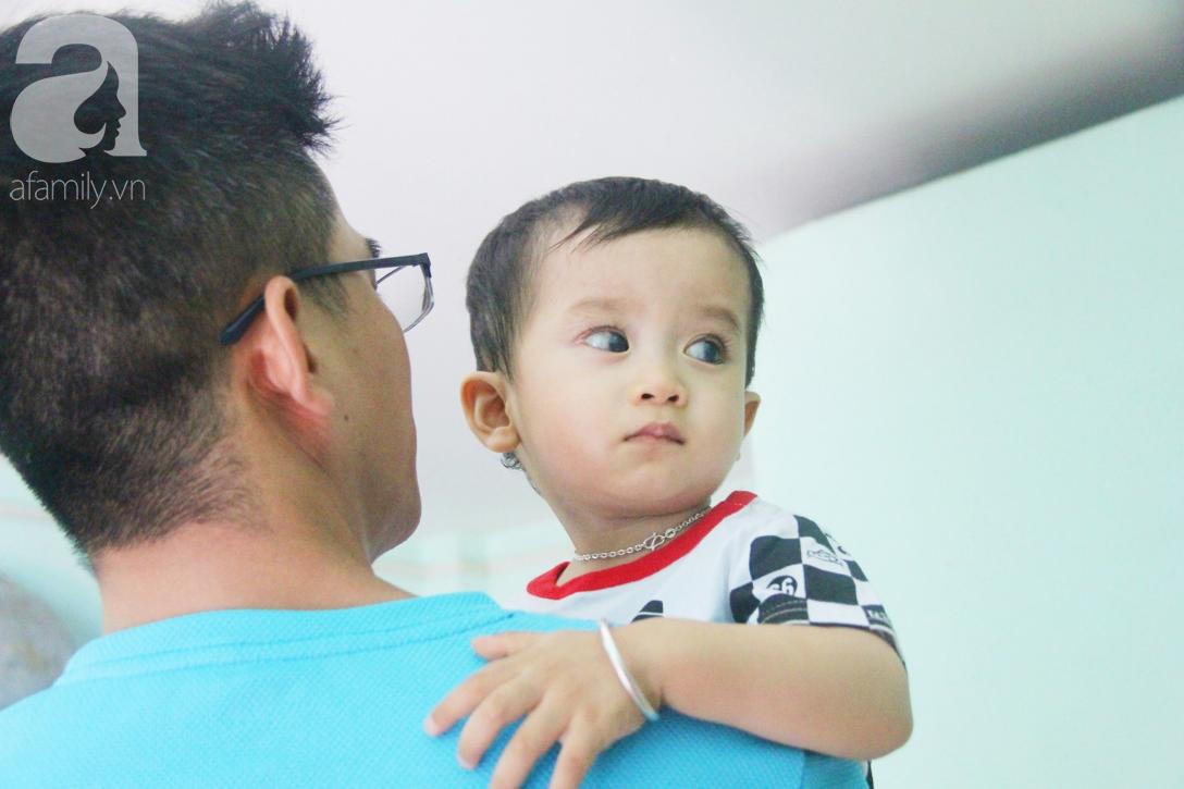 Sau 1 năm chạy chữa, bé Gia Anh đã hết kinh phí, người mẹ trẻ cầu xin mọi người giúp con trai thoát khỏi cảnh mù lòa-20