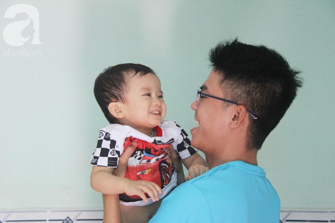 Sau 1 năm chạy chữa, bé Gia Anh đã hết kinh phí, người mẹ trẻ cầu xin mọi người giúp con trai thoát khỏi cảnh mù lòa-11