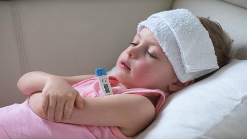 Các thực phẩm cần tránh khi trẻ bị sốt