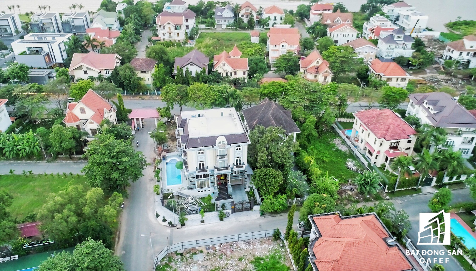 Nhà giàu cũng khóc trong những khu biệt thự sang chảnh bậc nhất Sài Gòn-7