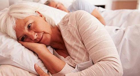 Nguyên nhân gây mất ngủ ở người cao tuổi