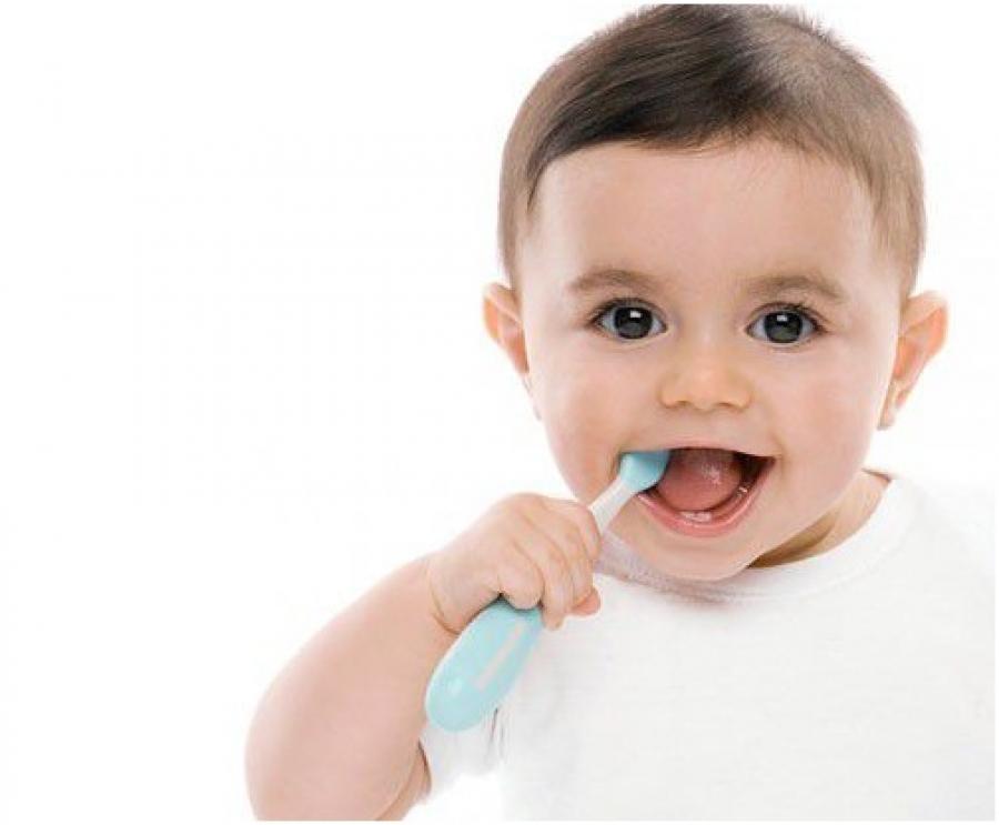 Mấy tuổi nên đánh răng cho bé là tốt nhất?-1