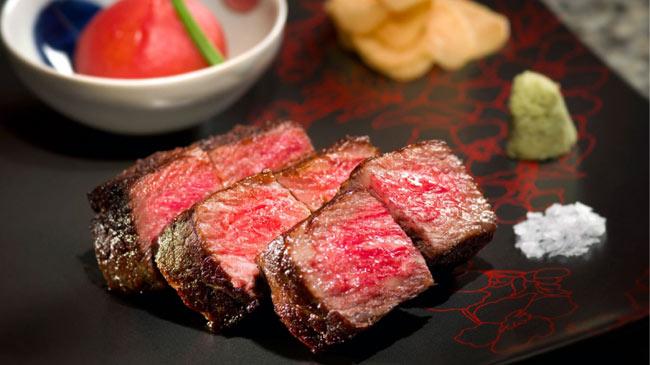 Vẫn chỉ là thịt bò, tại sao thịt của Nhật lại có giá 'cắt cổ'?