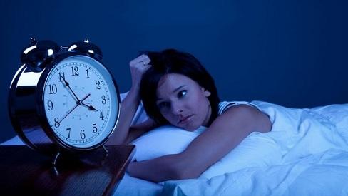 Những tác hại khủng khiếp của việc thức khuya đối với nữ giới