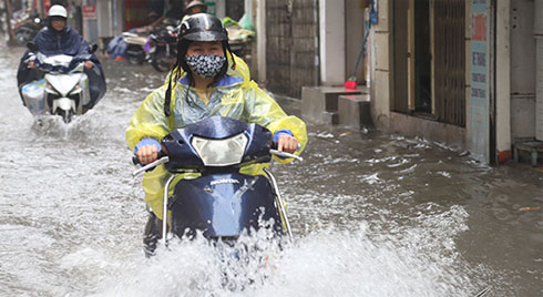 Bão số 3 suy yếu, Hà Nội vẫn mưa to, nguy cơ ngập nhiều phố